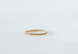 9cy yellow gold twist ring stack